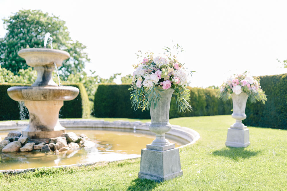 3 Fleurs De Fee Chateau De Bagnols Save The Date Photography